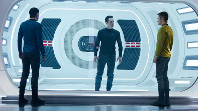 Star Trek: Do temnoty / Temnota plná odlesků